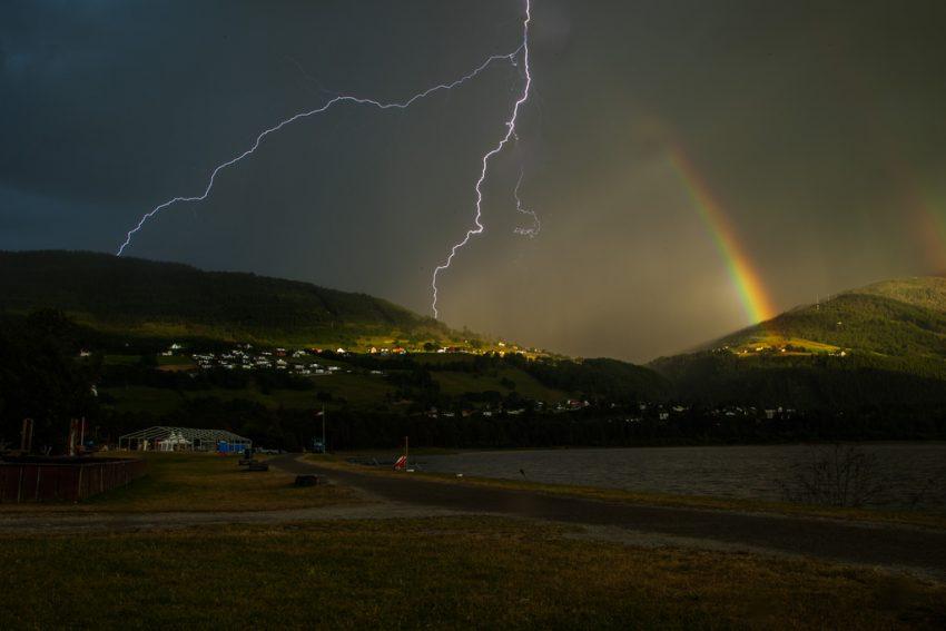 Rayos y arco iris